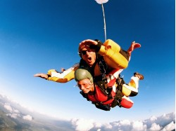 Skydiving for 2 in Bucharest