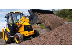 Big Boys' Toys – Experience with a super excavator in Brasov, Rasnov