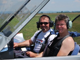 Airplane flying lesson with guests in Brasov