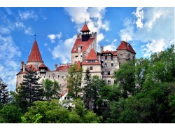 Airplane flying lesson over Bran Castle in Brasov