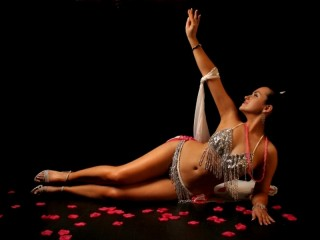 Belly dance introduction for her in Bucharest